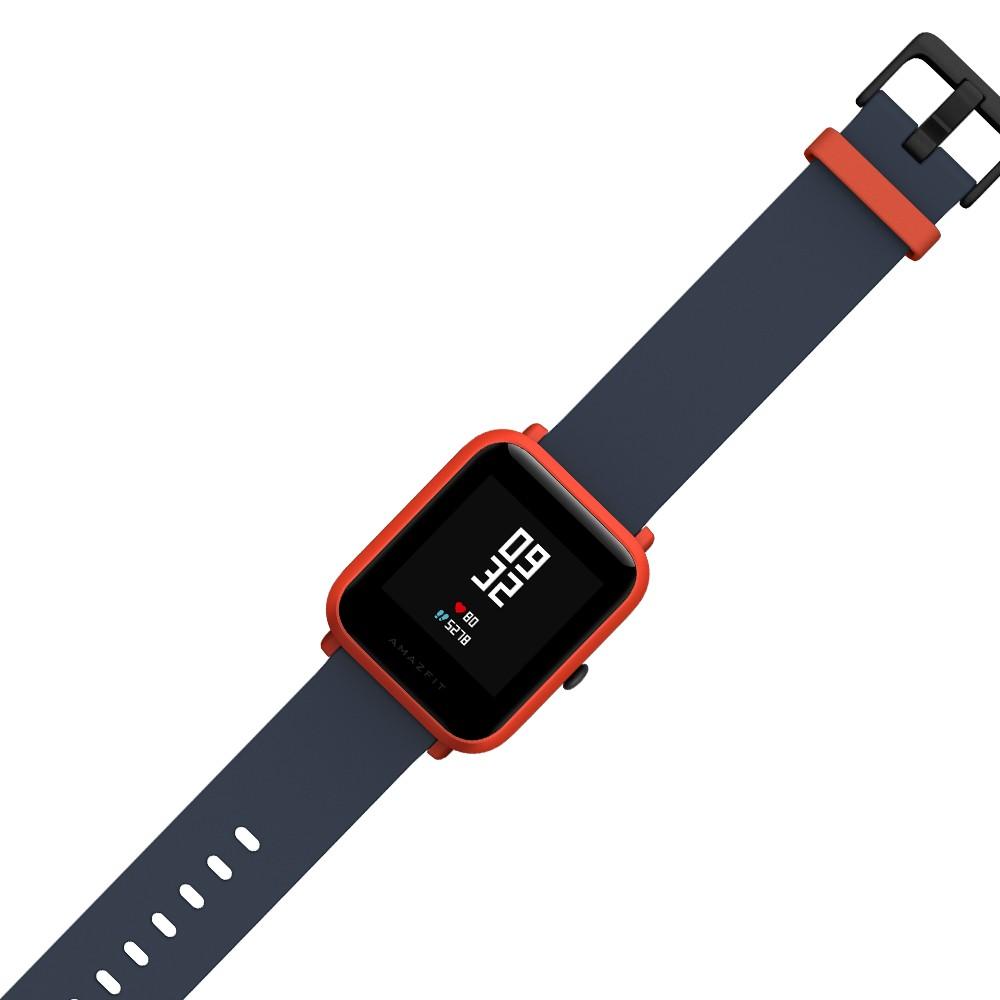 Там же есть и крепление ремешка часов, позволяющее легко его отсоединить, если требуется замена.